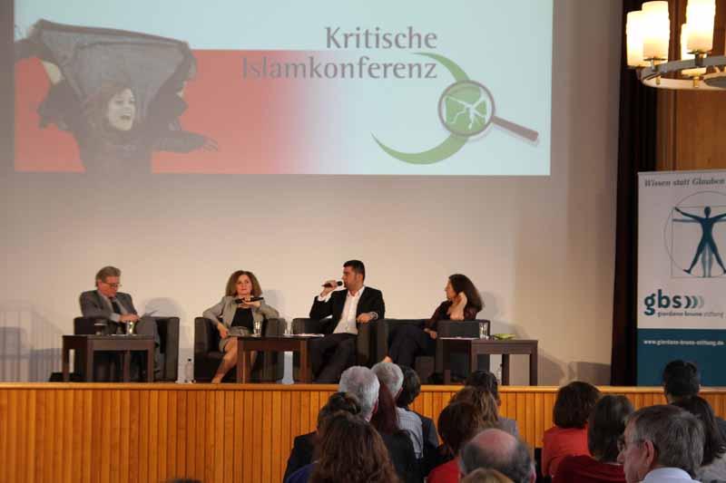 Podium: Volker Panzer, Zeliha Dikmen, Yilmaz Kahraman, Necla Kelek